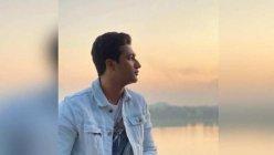 Vicky Kaushal enjoys sunset view on banks of Narmada river