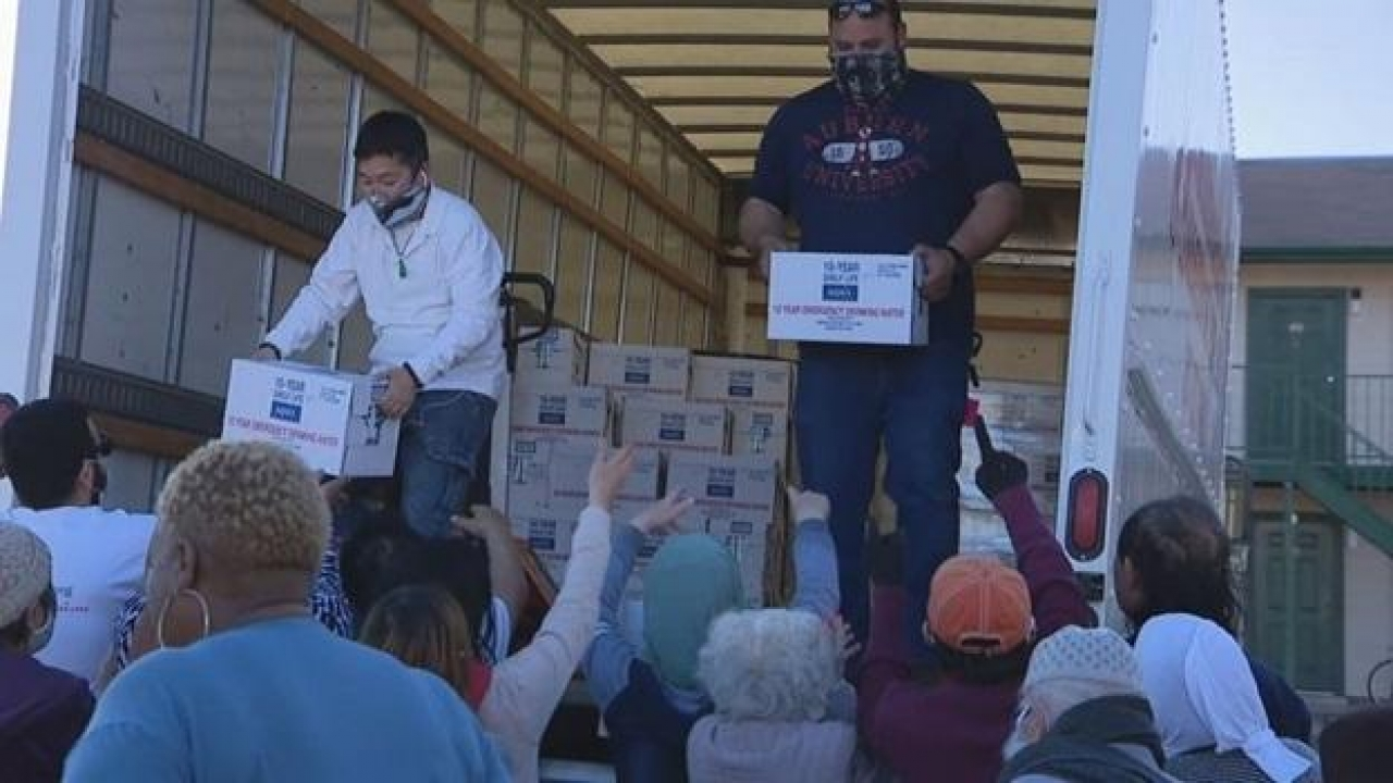 FEMA delivers more pallets of bottled water to North Texans