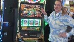 Texas woman hits jackpot, at Las Vegas and wins over 300k