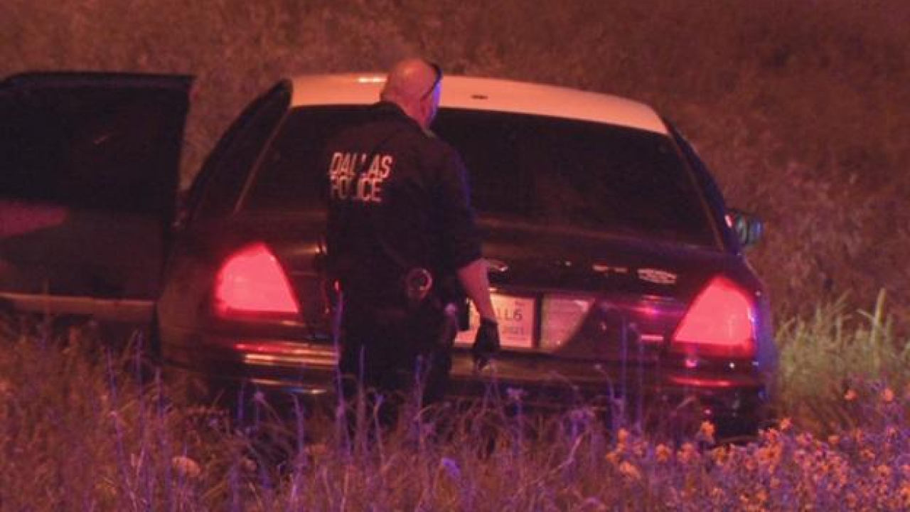 Police searching for the gunman who shot two teens overnight while driving in Dallas