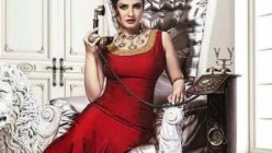 Raveena Tandon is Missing a bit of the red lipstick action