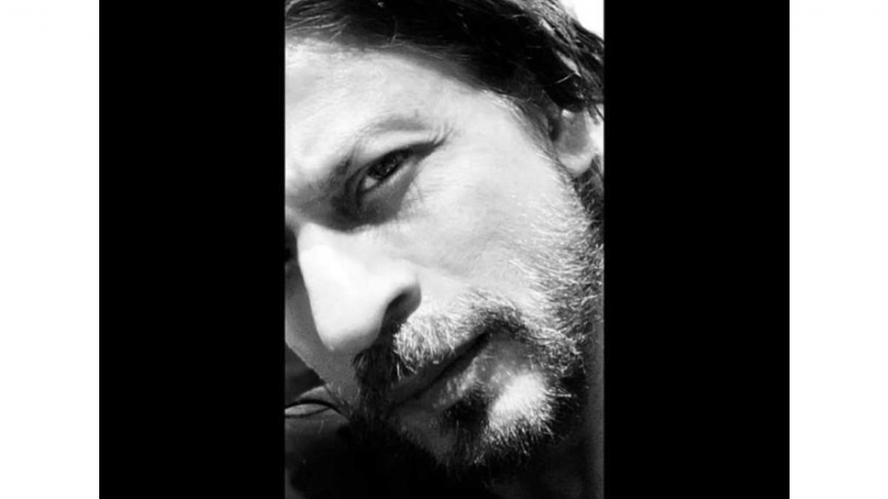 Shah Rukh Khan all set to get back to work by trimming off his beard