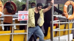 Kartik Aaryan begins shooting for 'Freddy'; catches a ferry to the film sets