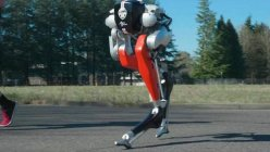 Oregon State University's Bipedal robot made history by completing a 5-kilometer racecourse