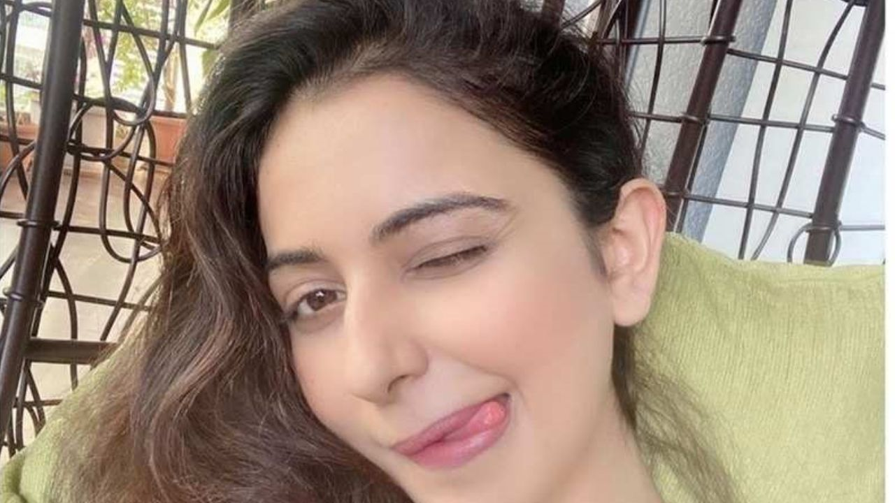 This is the reason behind Rakul Preet Singh's goofy expression