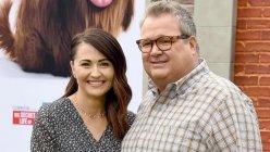 'Modern Family' star Eric Stonestreet gets engaged to longtime girlfriend Lindsay Schweitzer