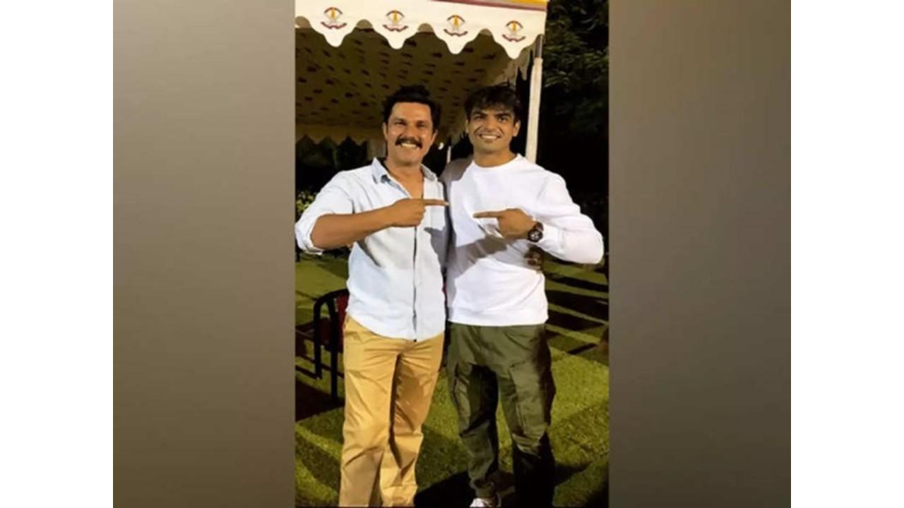 Actor Randeep Hooda is extremely happy to meet Tokyo Olympics gold medalist Neeraj Chopra.
