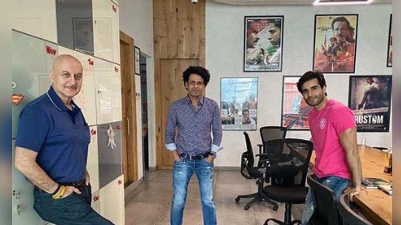 Anupam Kher's 'social distancing' meeting with Manoj Bajpayee and Karan Tacker