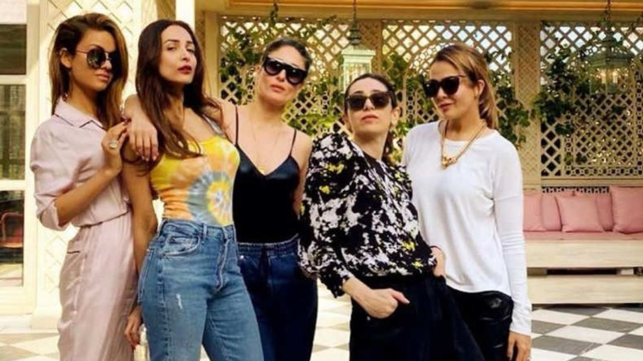 Malaika Arora posts a happy pic with her BFF Kareena Kapoor, Karisma, Amrita and Natasha
