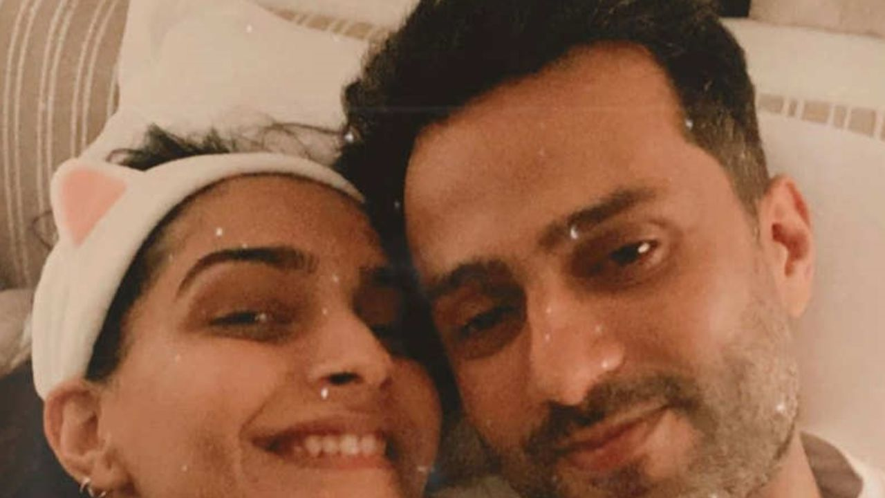 Sonam Kapoor begin countdown to hubby Anand Ahuja's birthday, shares his most favourite musical artists