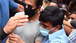 NCB comes at Mannat after Shah Rukh Khan visits Aryan Khan in jail.