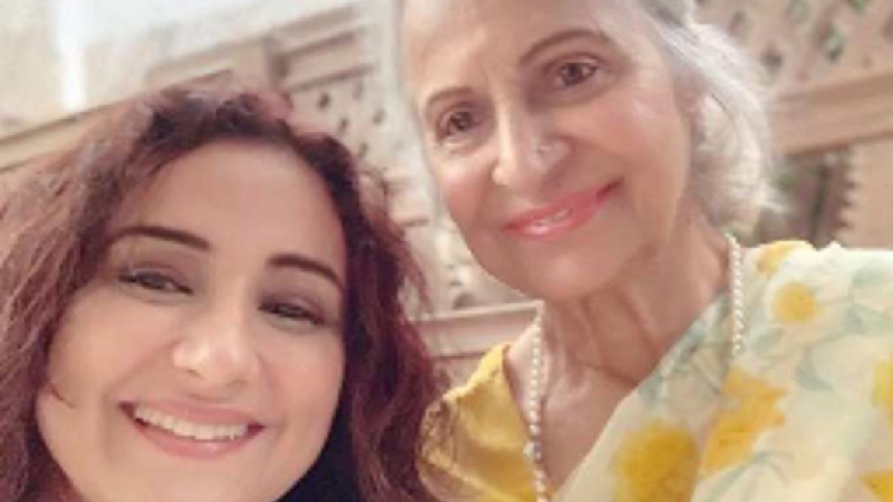Divya Dutta's fangirl moment with Waheeda Rehman