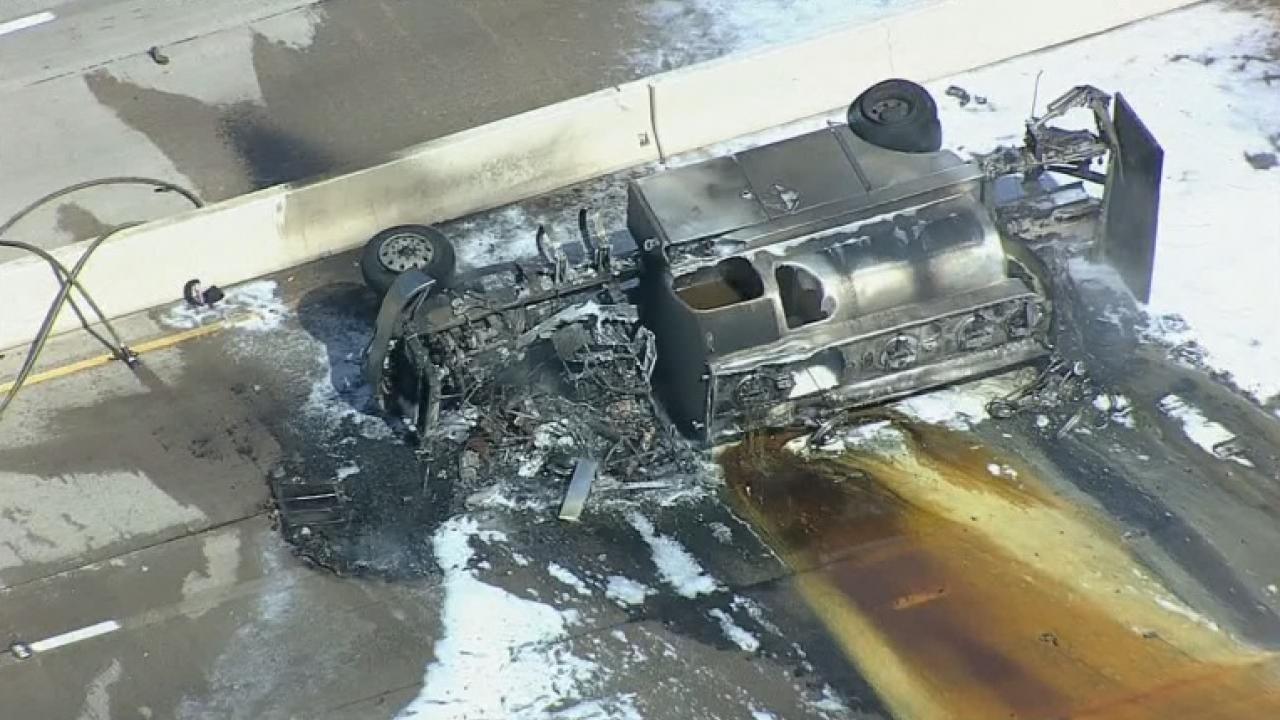 Texas: A Tanker truck overturns and bursts into flames