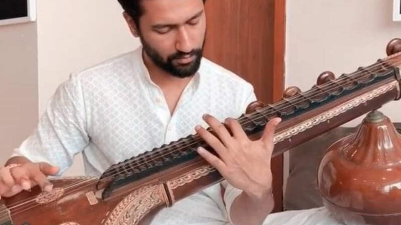 Vicky Kaushal wishes fans this Independence Day with a musical twist