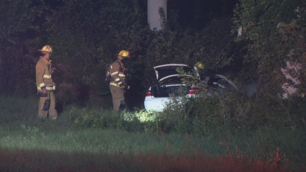 Dallas firefighter found Murder victim near a burning car