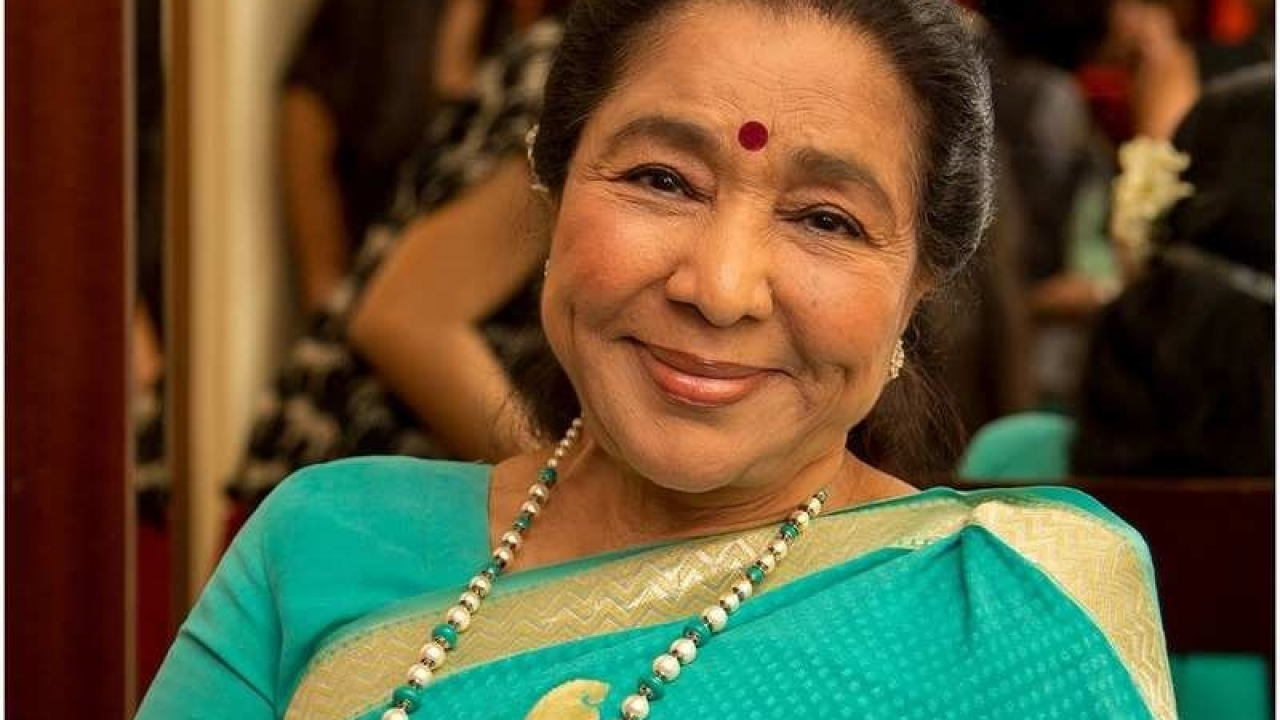Asha Bhosle turns a year older and celebrates her birthday with her near and dear ones!
