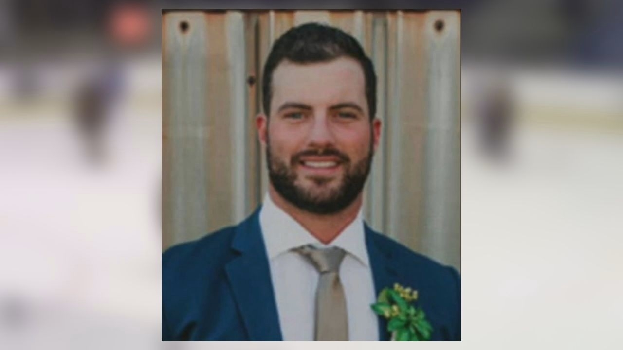 29-year old North Texas youth hockey coach dies from COVID-19