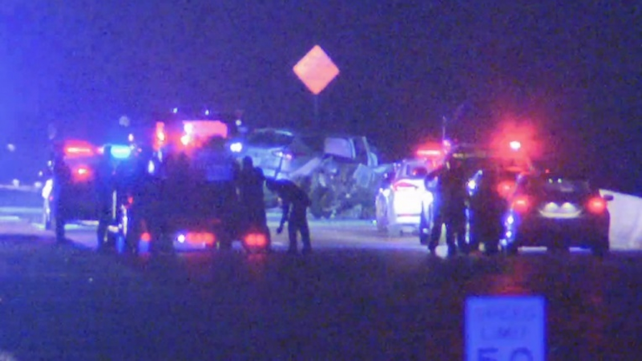 3 killed, 1 badly hurt in head-on crash in southeast Dallas