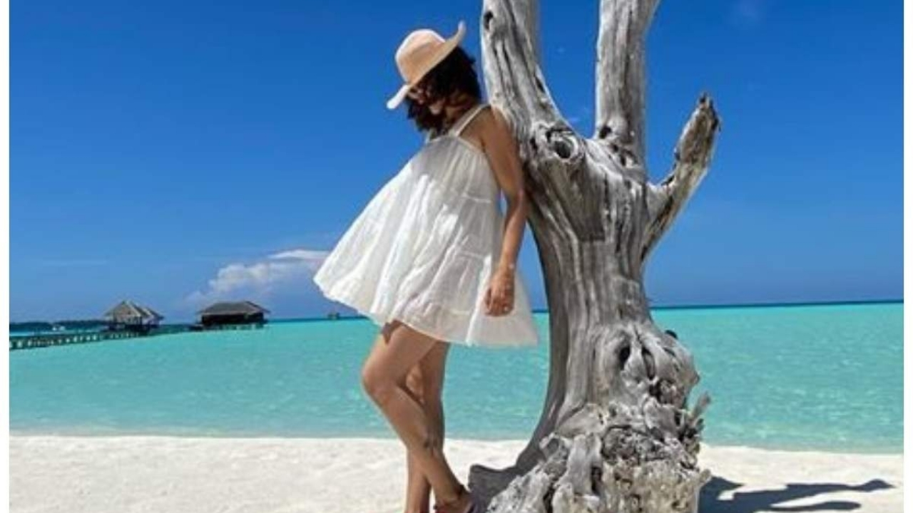 This picture of Taapsee Pannu from the Maldives is worth praising!