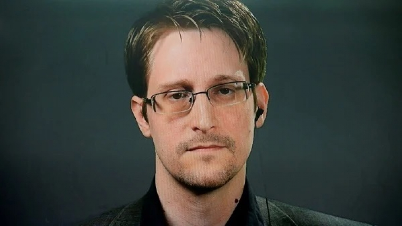 Edward Snowden gets permanent residency in Russia