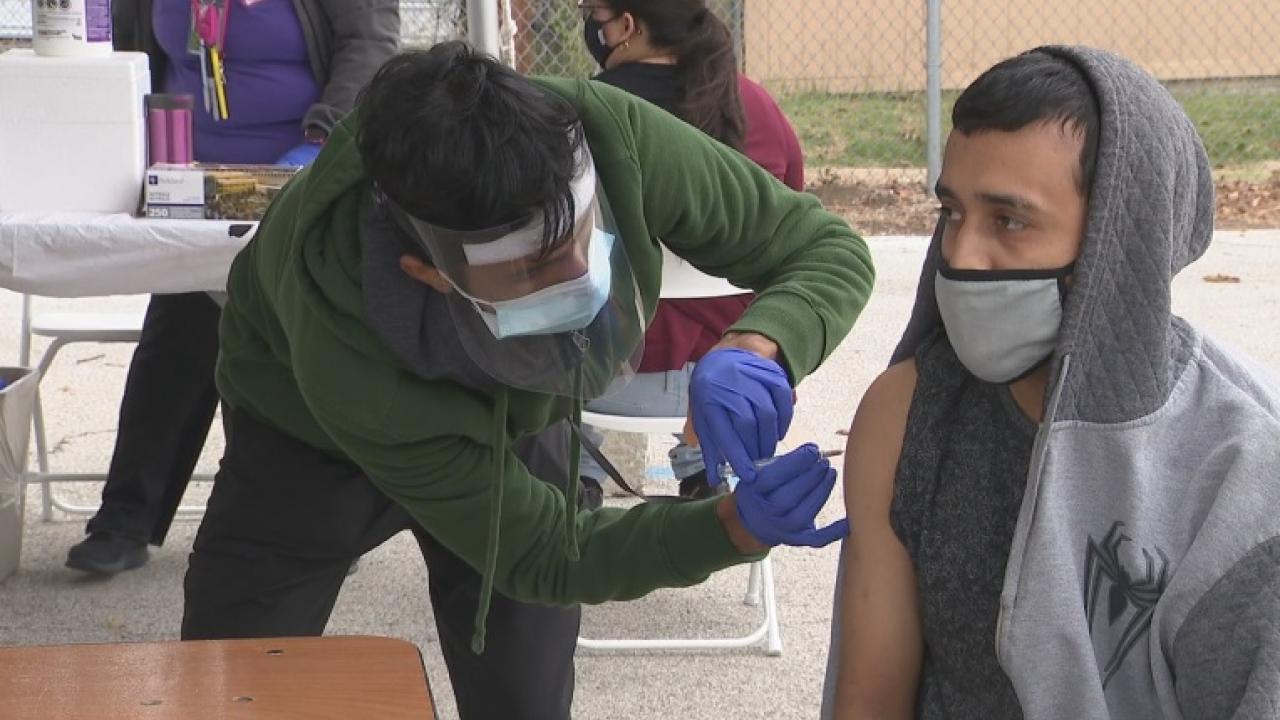 Parkland Hospital organizes drive-thru flu shot clinic at Dallas high school
