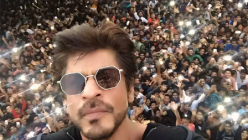 Shah Rukh Khan urges fans NOT to gather outside Mannat on his birthday during COVID-19 crisis