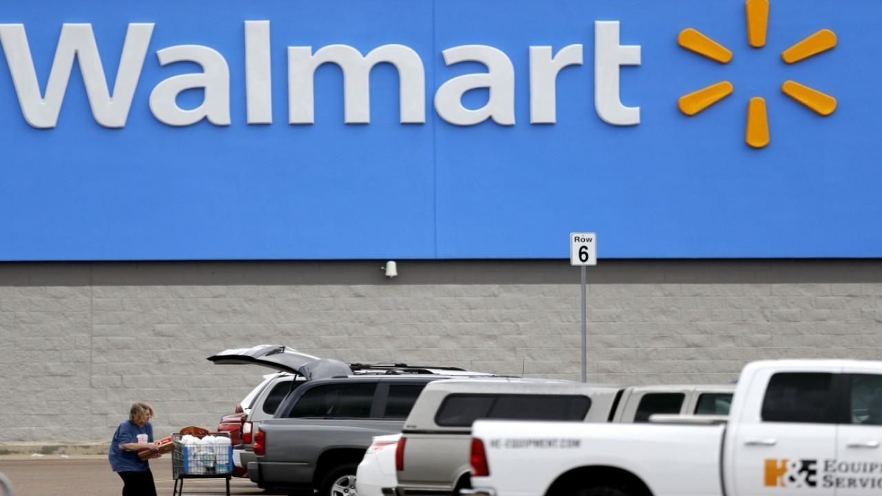 Walmart to count in-store customers due to coronavirus surge