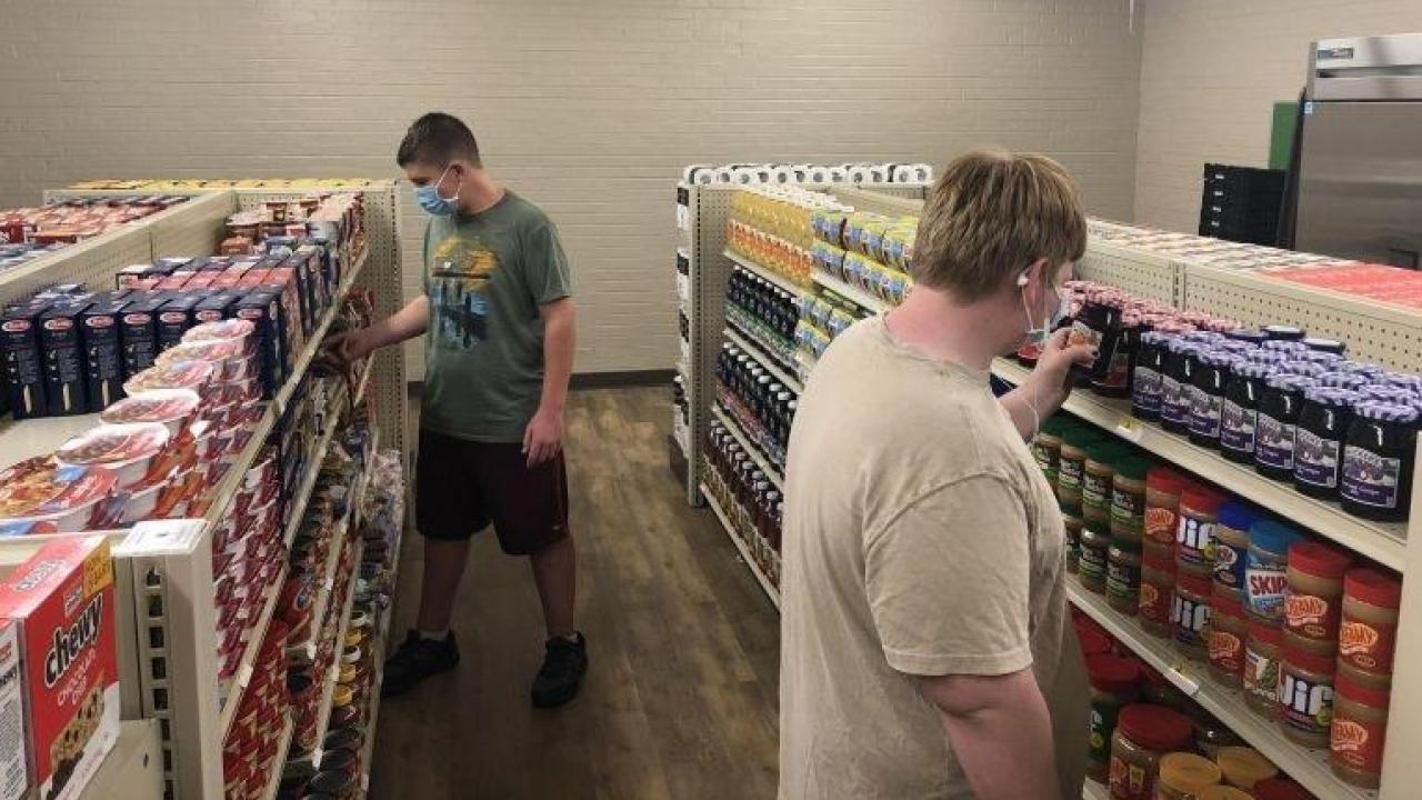 Texas high school opens a student-run grocery store for students, families
