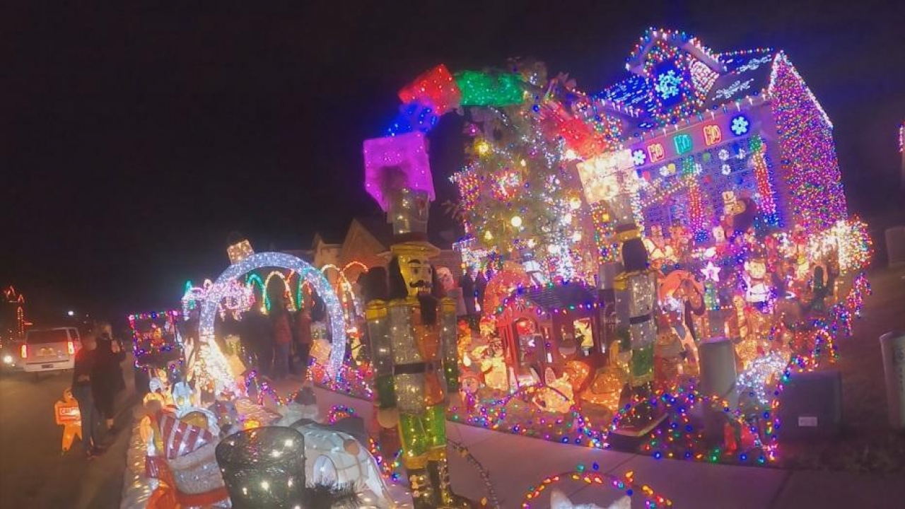 Frisco family continues the tradition of lighting up massive holiday lights
