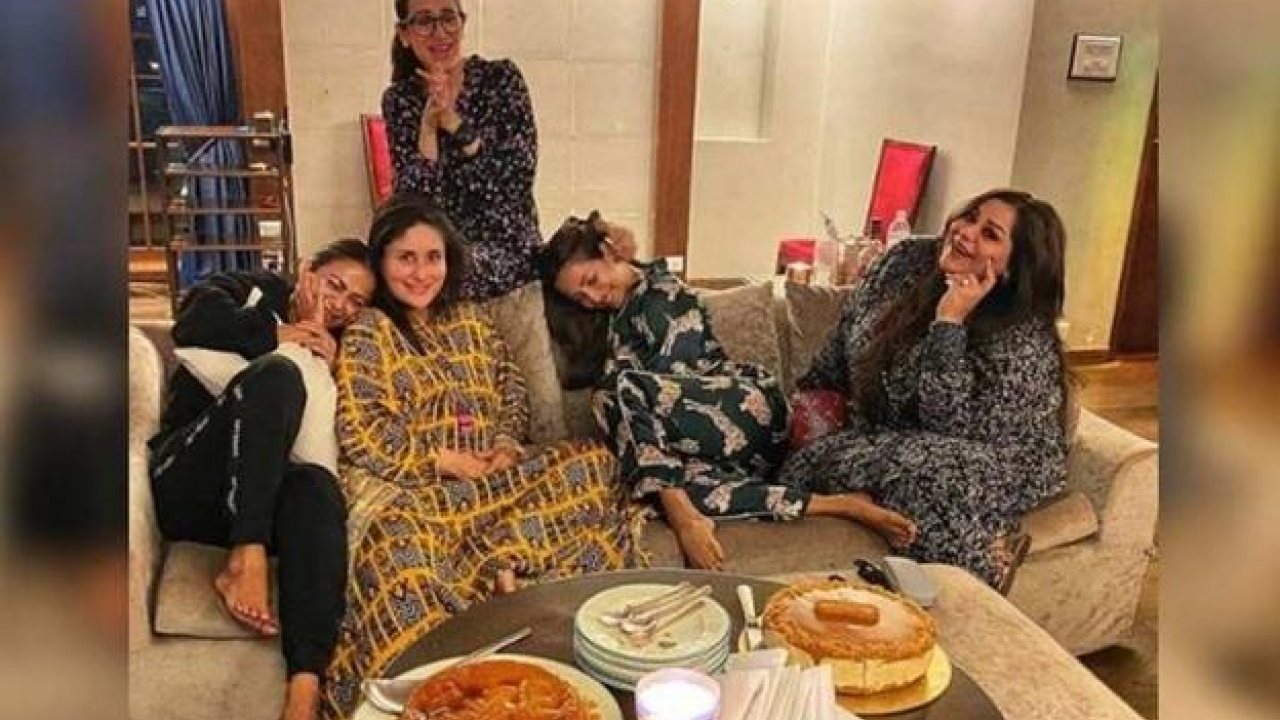 Mommy-to-be Kareena Kapoor Khan spends quality time with her BFFs Malaika Arora, Amrita Arora and sister Karisma Kapoor