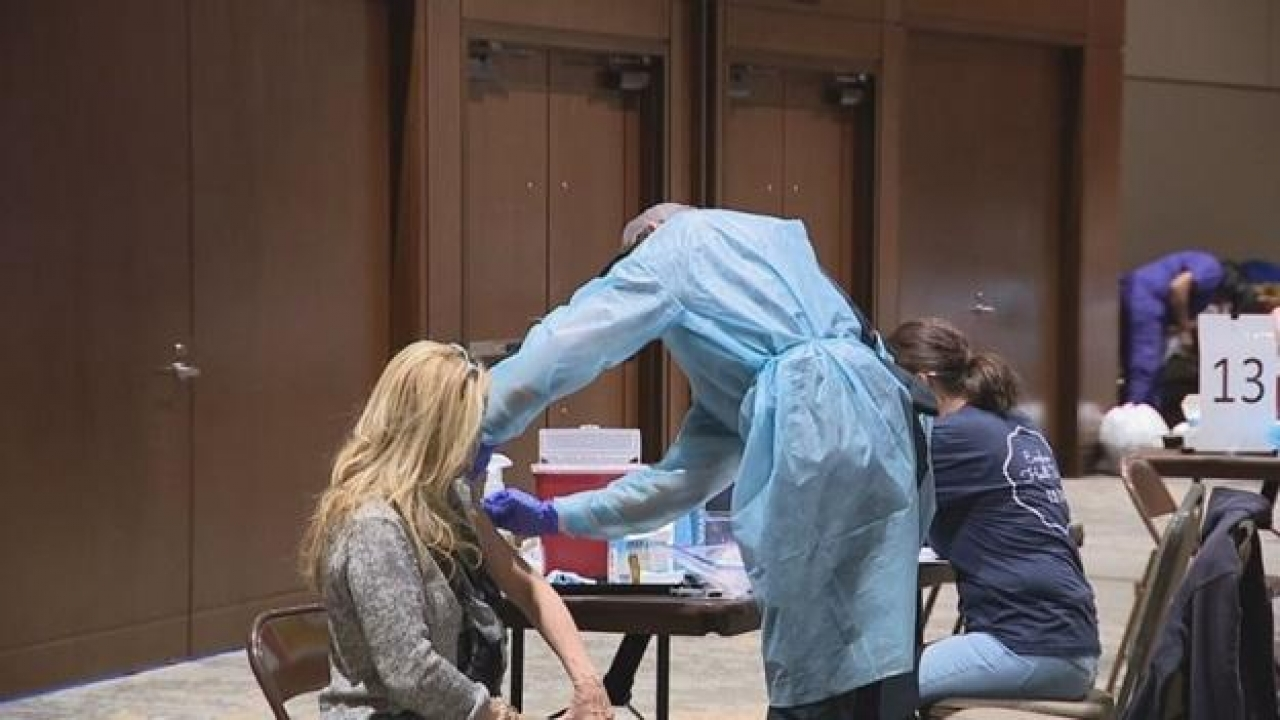 Tarrant County: Second COVID-19 vaccine center opens in Hurst