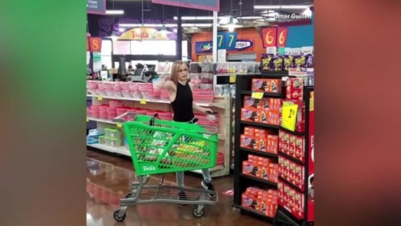 Dallas woman go angry over store's face mask policy